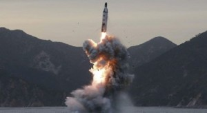 YOUTUBE Corea del Nord, lancio missile da sottomarino...fallito