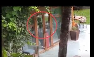 Dacca, il video del blitz delle forze speciali