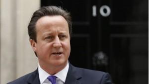 YOUTUBE David Cameron canticchia dopo annuncio alla stampa