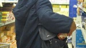 Torino,  disoccupato arrestato: rubò dessert come regalo di compleanno alla figlia