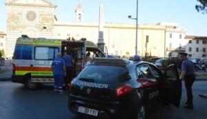 Prato, armato di mannaia semina il panico in centro storico