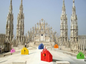 Rimane chiuso nel Duomo di Milano, turista dorme su tetto