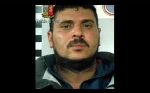 Milano, cosparge moglie di benzina e le dà fuoco con la sigaretta: arrestato