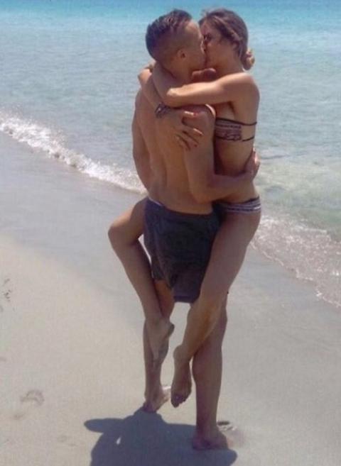 Eleonora Pedron e Daniele Conte in vacanza in Puglia FOTO