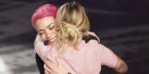 Guarda la versione ingrandita di Emma Marrone ed Elodie sono inseparabili. E' nata una coppia?