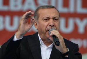 Turchia, Erdogan contro i media: 130 ordini di chiusura tra giornali e tv