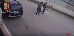 YOUTUBE Foggia, omicidio Rocco Dedda: Polizia diffonde video killer