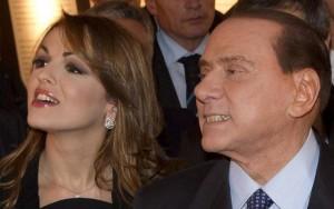 Francesca Pascale lontana da Berlusconi: lui nella villa mai entrato