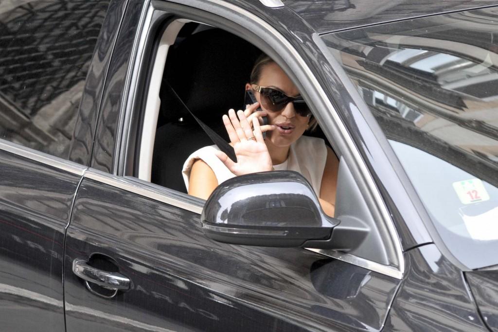 Francesca Pascale via da casa Berlusconi, segretaria dice che...