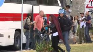 Francia, rischio guerra civile dopo violenze Capodanno dei migranti