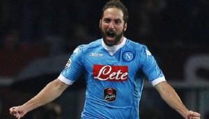Calciomercato Napoli ultimissime: Higuain, Santon...tutte le news