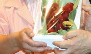 Grappolo uva più caro al mondo: venduto a 9mila euro FOTO