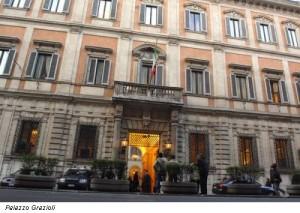 Berlusconi lascia Palazzo Grazioli: costa troppo e...