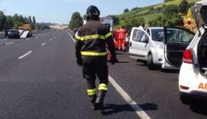 Guarda la versione ingrandita di Ancona, incidente A14: un morto in maxi tamponamento Galleria Montedomini (foto Ansa)