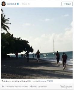 Guarda la versione ingrandita di Anthony Martial si allena in vacanza FOTO: un messaggio per Josè Mourinho