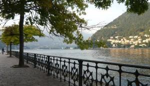 Lecco, cadavere di donna galleggia nel Lago di Como