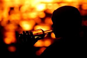India, liquore adulterato fa strage: 19 morti, 6 persone accecate