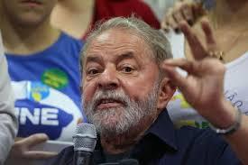 Guarda la versione ingrandita di Brasile, ex presidente Lula da Silva rinviato a giudizio per