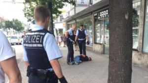 Germania, uccide donna con machete in negozio kebab