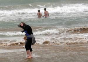 Maltempo Puglia, Gargano allagato: sgomberati 225 turisti