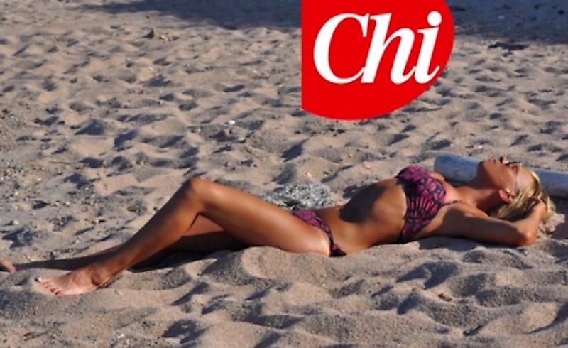 Maria De Filippi in bikini: a 55 anni un fisico al top FOTO