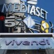 Mediaset, guerra e pace Berlusconi – Bolloré, incubo Pokemon, la tv è finita?