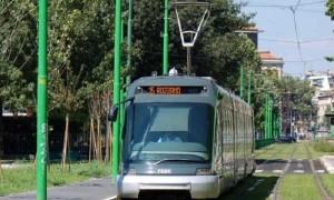 Milano, accoltellato durante lite sul tram 15: gravissimo