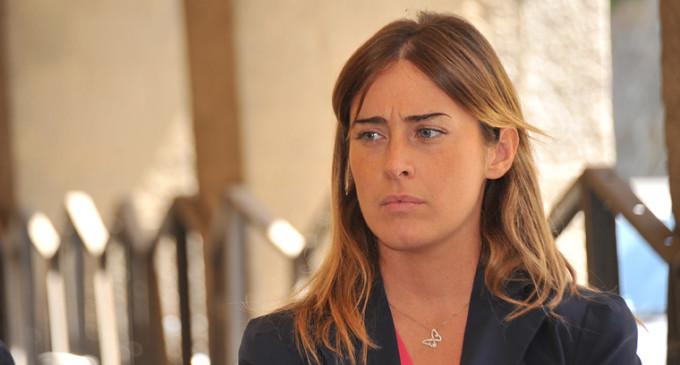 Referendum Riforme, Boschi parla e indagati per camorra applaudono
