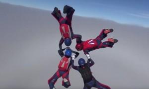 Guarda la versione ingrandita di Mondiali di paracadutismo in Russia: 450 parà, gli italiani...