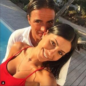 Guarda la versione ingrandita di Federica Nargi e Alessandro Matri in vacanza a Formentera e col pancione