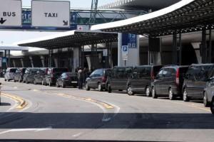 Roma, blitz contro Ncc abusivi: 300 euro per Fiumicino-centro