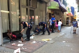 """Walking Dead"" a New York: in 33 collassano per la marijuana sintetica"