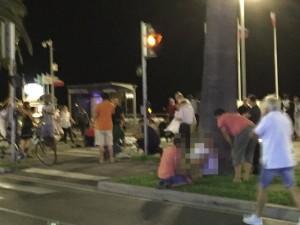 VIDEO YOUTUBE Attentato Nizza: camion su folla, decine i morti
