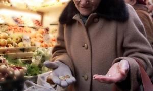 Nonna senza soldi al supermercato: Carabinieri pagano la spesa
