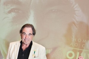 "Pokemon Go, Oliver Stone: ""Invasione privacy, porta al totalitarismo"""