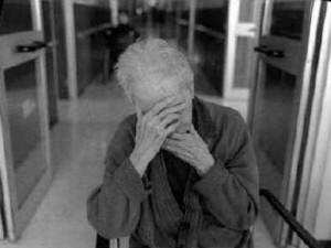 Ospizio lager a Velletri: parenti rifiutano di accogliere gli anziani