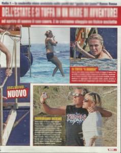 Guarda la versione ingrandita di Paola Barale in vacanza a Formentera: dopo il flop in tv si consola con…