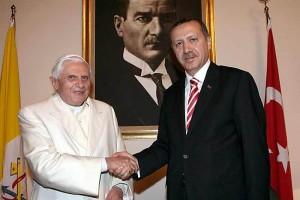 """Papa Benedetto XVI nel 2004: """"Turchia in Europa? Un errore, perché..."""""""