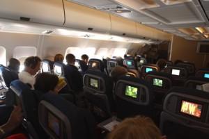 Volo Sydney-Phuket deviato per passeggeri turbolenti: arrestati