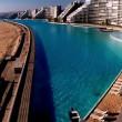 Piscina più grande del mondo: 77mila metri quadrati ed è lunga 1 km