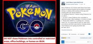 Guarda la versione ingrandita di Pokémon Go mania: tutti a caccia, anche in autostrada…FOTO