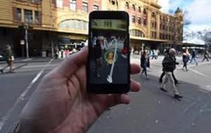 Guarda la versione ingrandita di YOUTUBE Pokemon go app, sos sicurezza: provoca incidenti