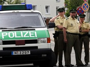 Guarda la versione ingrandita di Berlino: uccide medico in ospedale e si ammazza