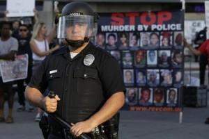 Guarda la versione ingrandita di Polizia, a Los Angeles si danno più soldi. In Italia solo tagli (foto d'archivio Ansa)