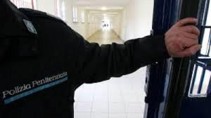 Cremona: poliziotto penitenziario si uccide in garage