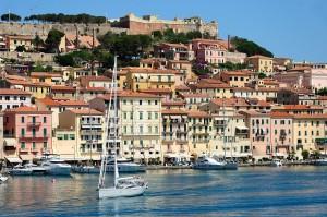 Isola d'Elba espelle i rom: due famiglie fatte partire per Piombino