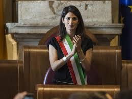 Virginia Raggi, anche avvocato Sammarco al giuramento VIDEO