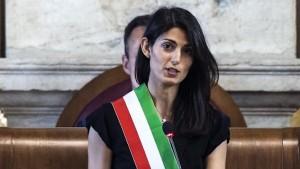 """Virginia Raggi indagata per incarichi asl Civitavecchia. """"Ho chiarito coi pm"""""""