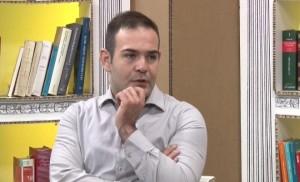 Riccardo Prisciano contestato a Avetrana. Il suo Nazislamismo non piace a...