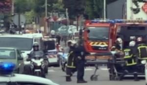 Guarda la versione ingrandita di Rouen, uno dei due terroristi in prigione fino al 22 marzo (foto Ansa)